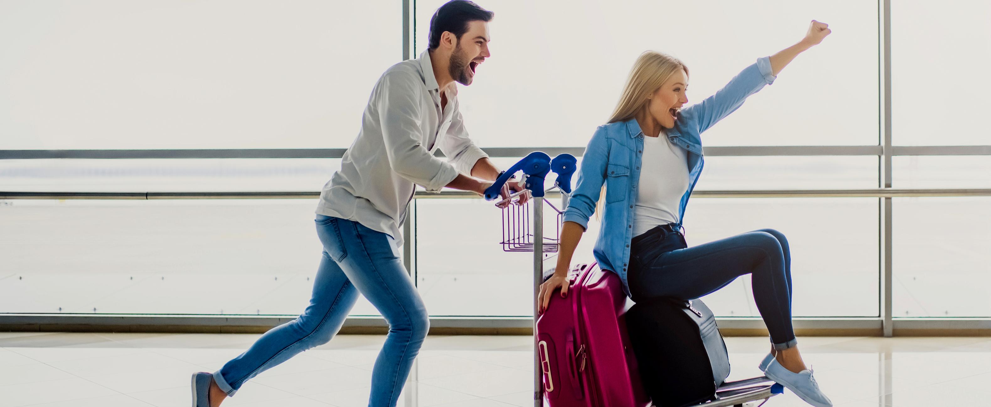 pareja-aeropuerto-banner-completo